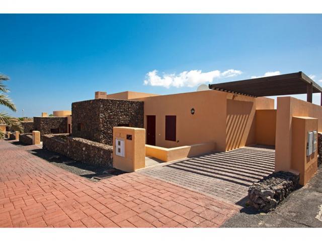 Off road parking - Villas del Sol deluxe, Corralejo, Fuerteventura